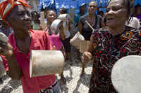 Haiti, Down with the violence against IDP residing in camps / in support of permanent lodging