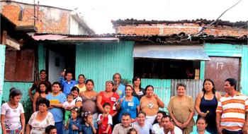 """Premiación del """"Primer Concurso Regional de Alternativas para la Vivienda Popular"""" en el FSUAP de Medellín"""
