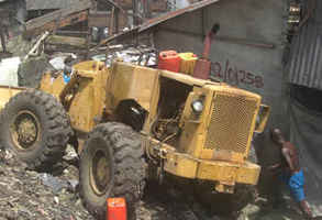 Bulldozer stopped by residents of Njemanze Waterfront